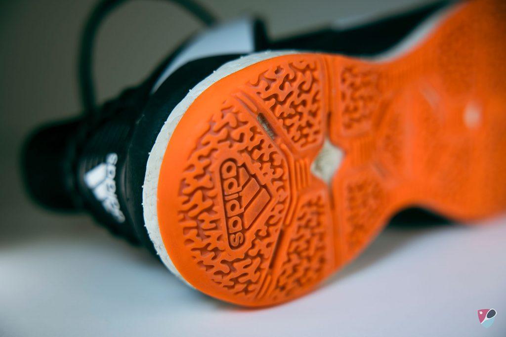 talon de la chaussure adidas stabil X