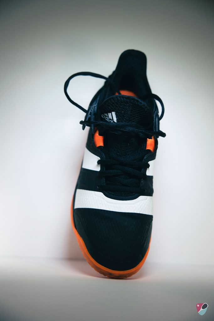 chausson de la chaussure adidas stabil X